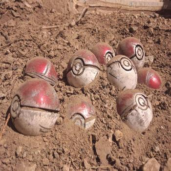 Battle-damaged Replica Pokeballs made by TriforgedStudios -